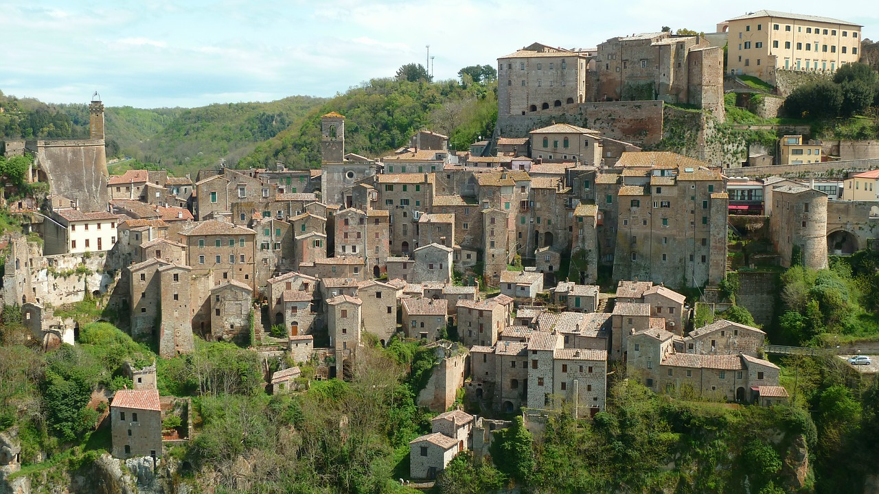 Sorano - City of Tufa